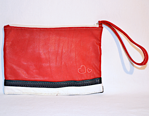 Heartcraft medium upcycled leather pouch MP0001 back