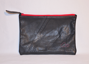 Heartcraft medium upcycled leather pouch MP0004 out