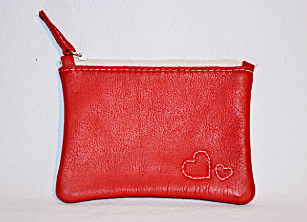 Heartcraft_small_upcycled_leather_pouch_SP0005_out