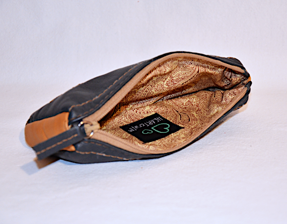 Heartcraft upcycled leather glass pouch GP0002 in