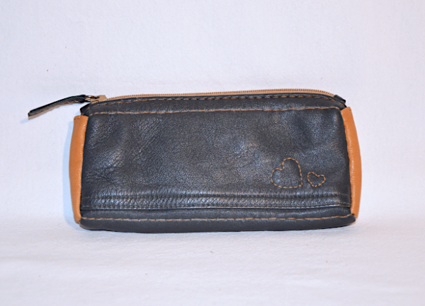 Heartcraft upcycled leather glass pouch GP0002 out