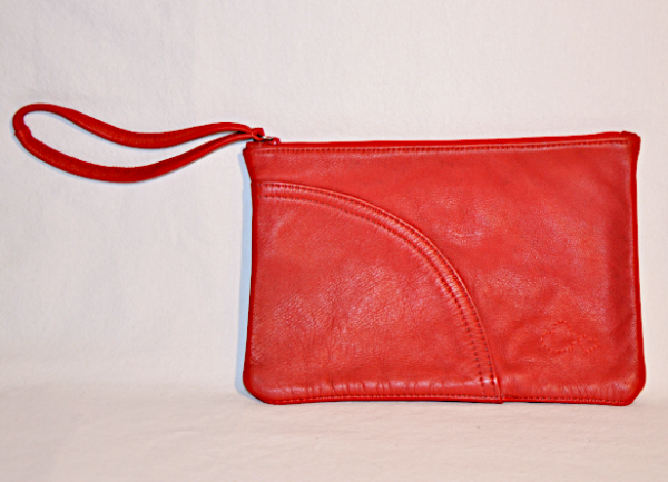 Heartcraft_medium_upcycled_leather_pouch_MP0003_front
