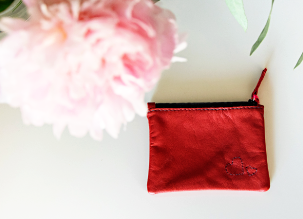 Heartcraft_small_upcycled_leather_pouch_SP0006_image
