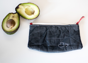 Heartcraft_small_upcycled_leather_pouch_SP0010_image